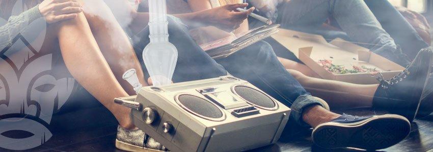 Hotboxen met snacks en muziek